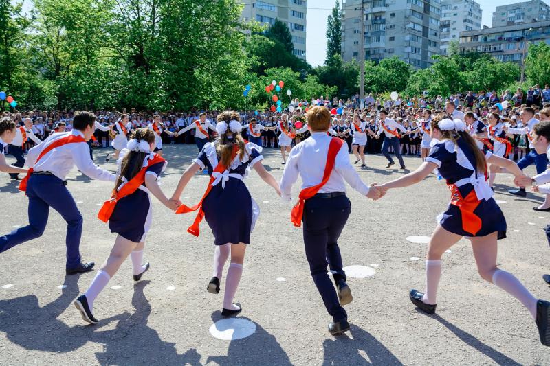   Репортажная съемка школьной линейки  